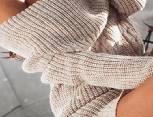 Vestido de manga comprida em malha sem ombros