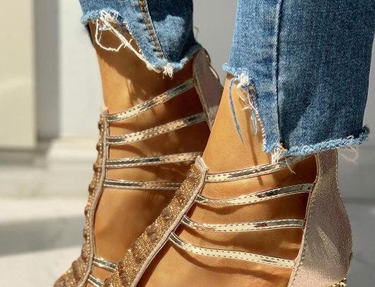 sandálias Multi-Strap Studded