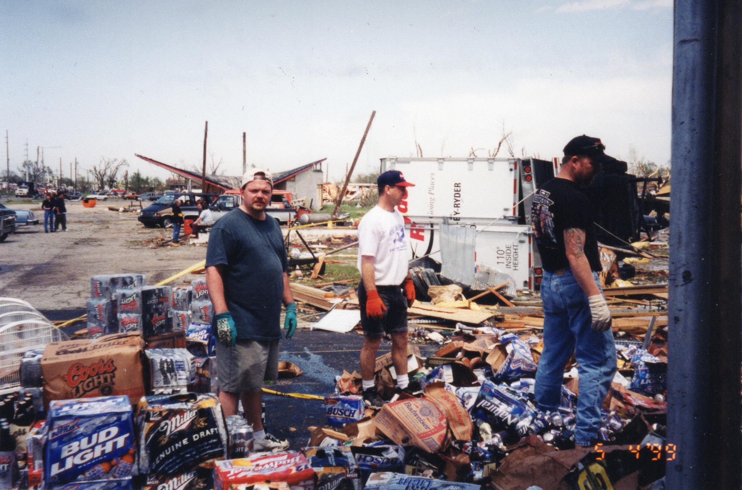 Post tornado 1999