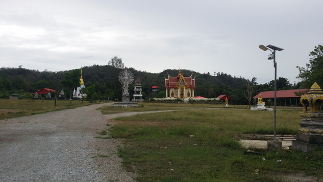 One of the many Buddhist monasteries in southern Thailand