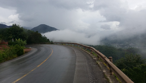 Descending through the clouds, Yunnan