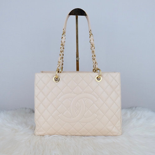 CHANEL GST BEIGE CAVIAR WITH GOLD HARDWARE - 16277023