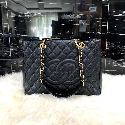 CHANEL GST BLACK CAVIAR WITH GOLD HARDWARE BD0015
