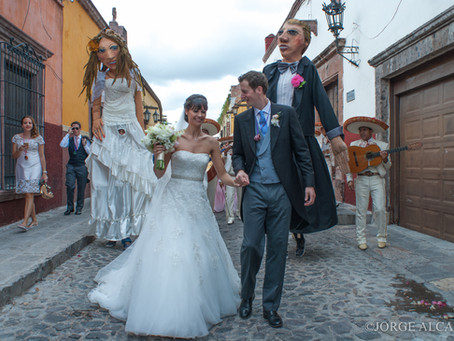 Callejoneadas in San Miguel de Allende