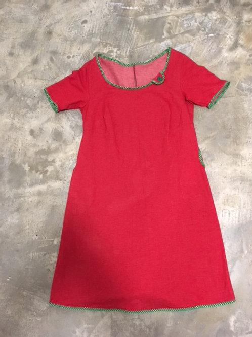 Rød kjole med prikket grøn kant str. 40-42 fra Lotterier