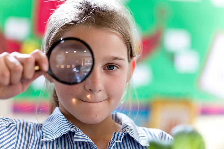 jos magnifying glass 3.jpg
