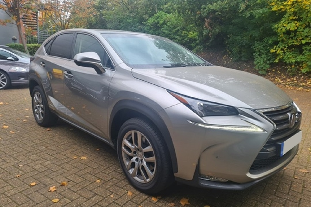 Lexus NX300H Light Grey 02
