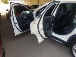 Mercedes GLA200d White 09