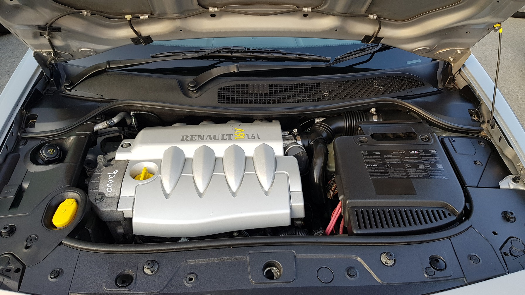 Renault Megane Convertible 16