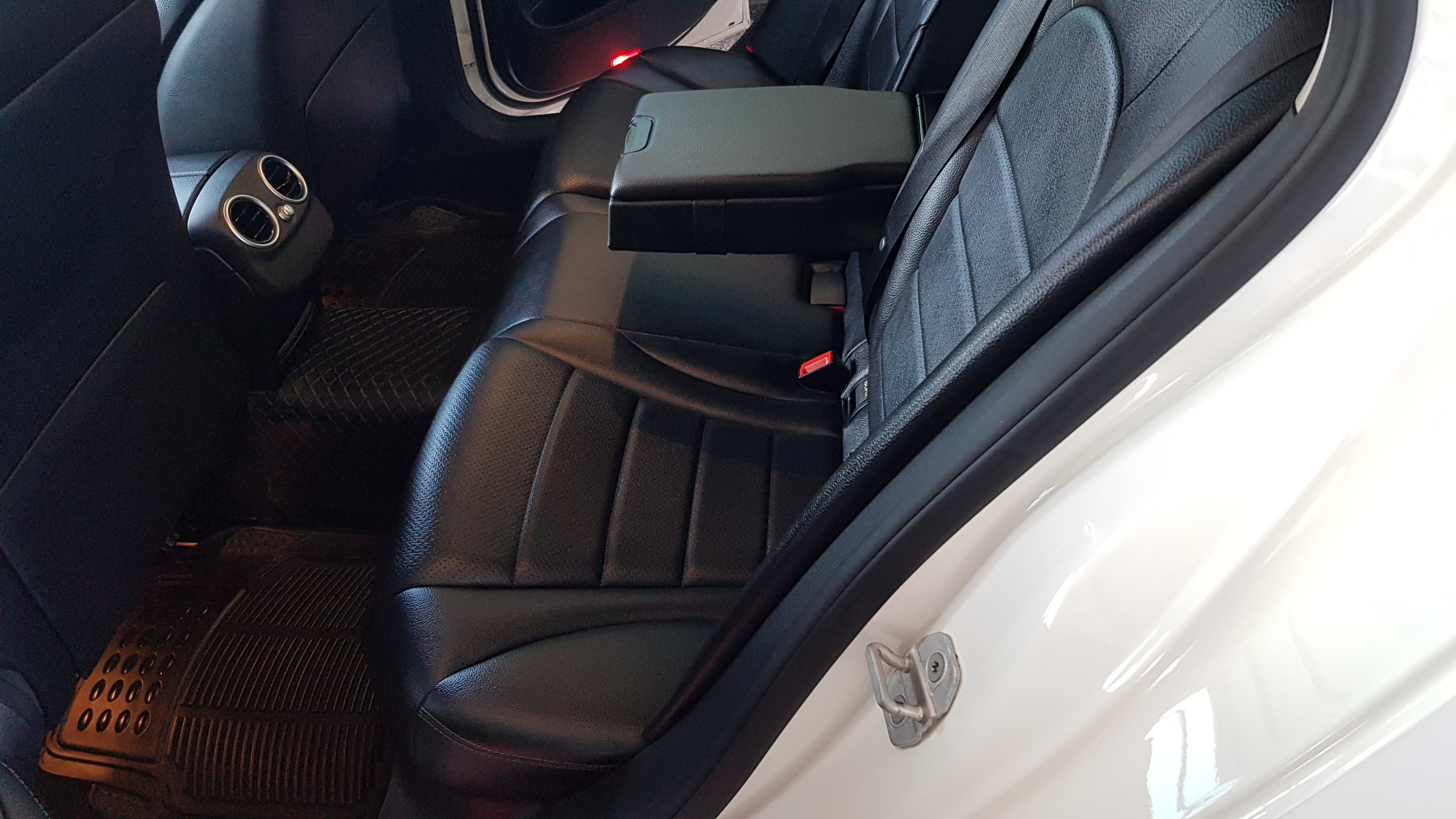 Mercedes C220 CDI White 09