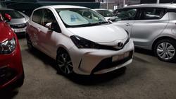 Toyota Vitz White