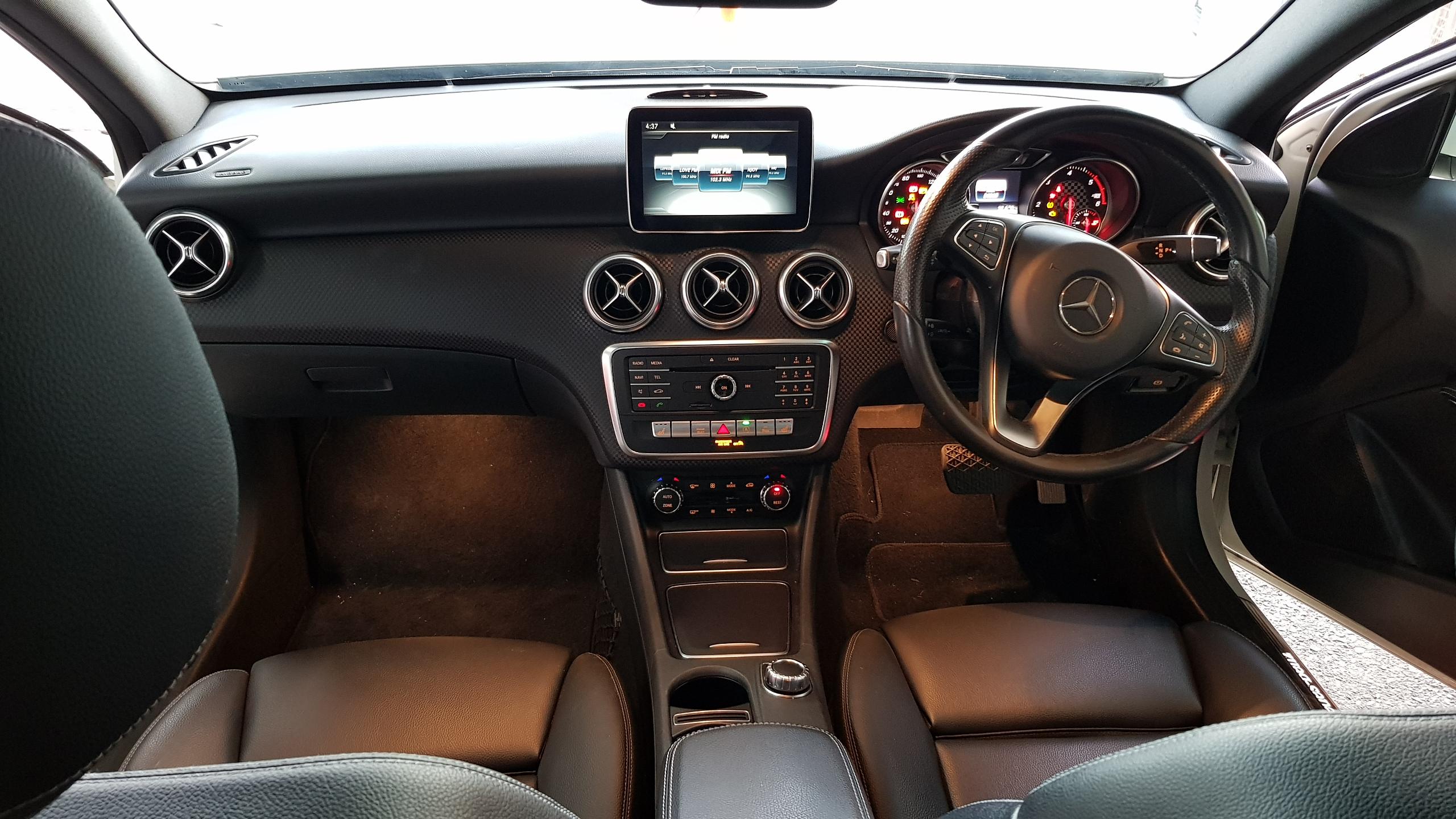 Mercedes A180d Sport White 05