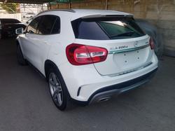 Mercedes GLA200d White 03