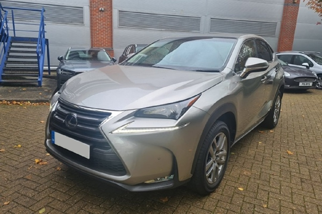 Lexus NX300H Light Grey 01