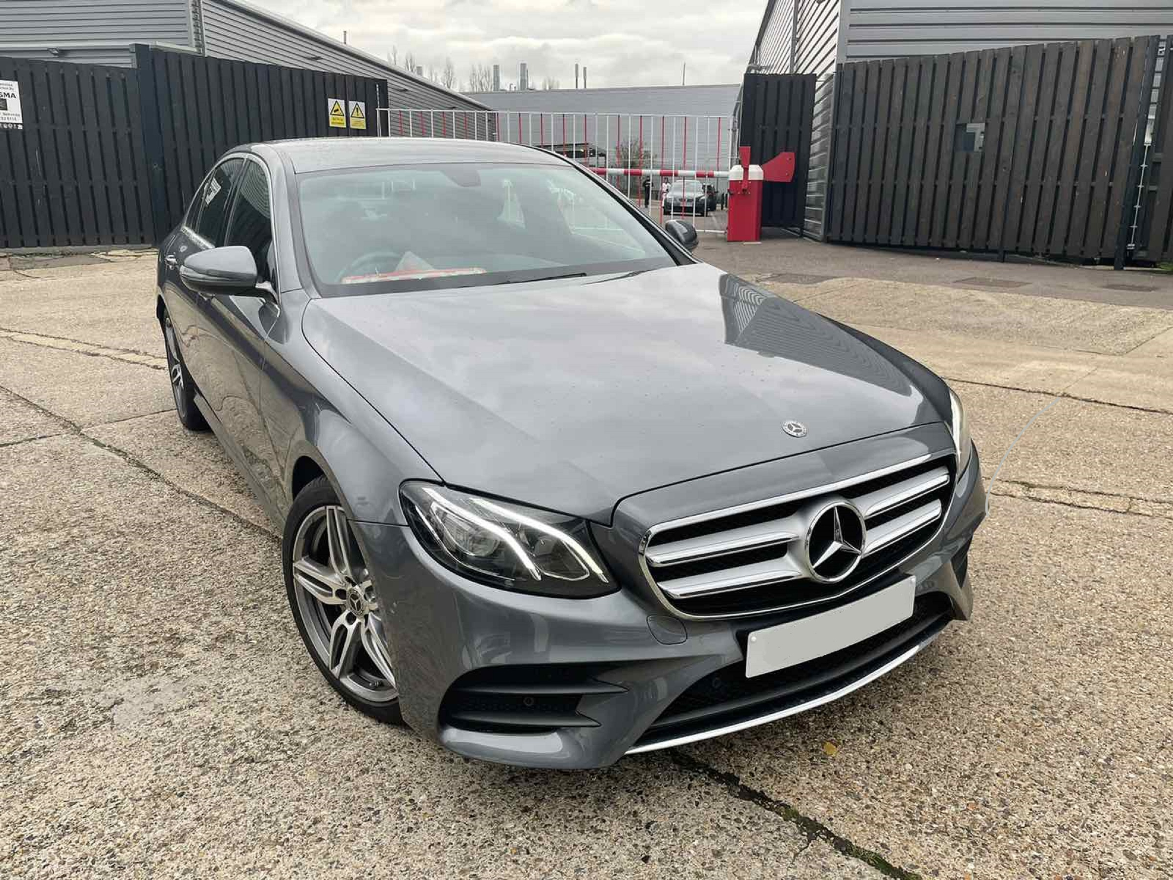 Mercedes E220d Dark Grey 01