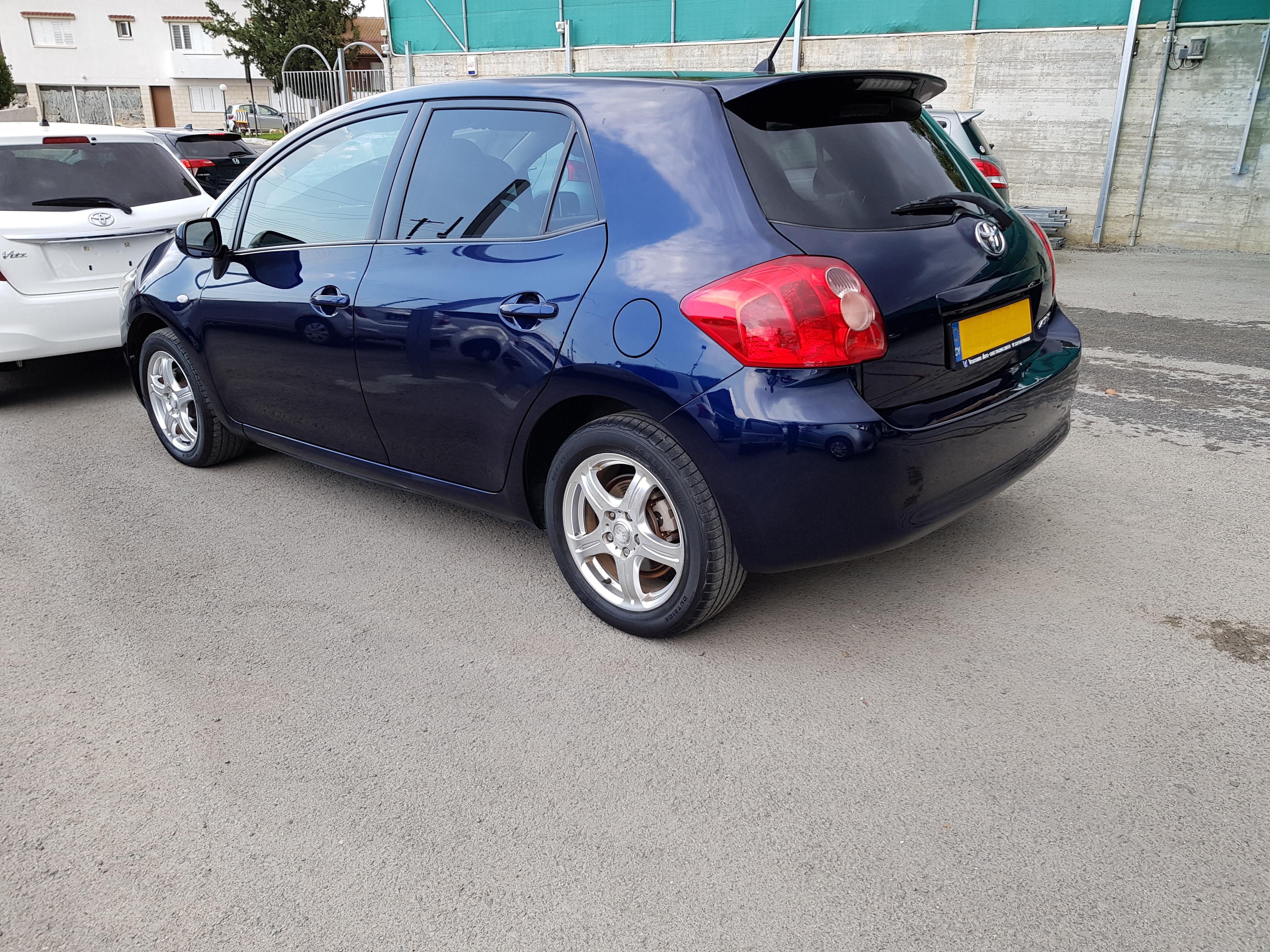 Toyota Auris Dark Blue 03