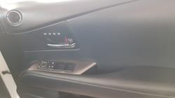 Lexus RX450h White Pearl 09