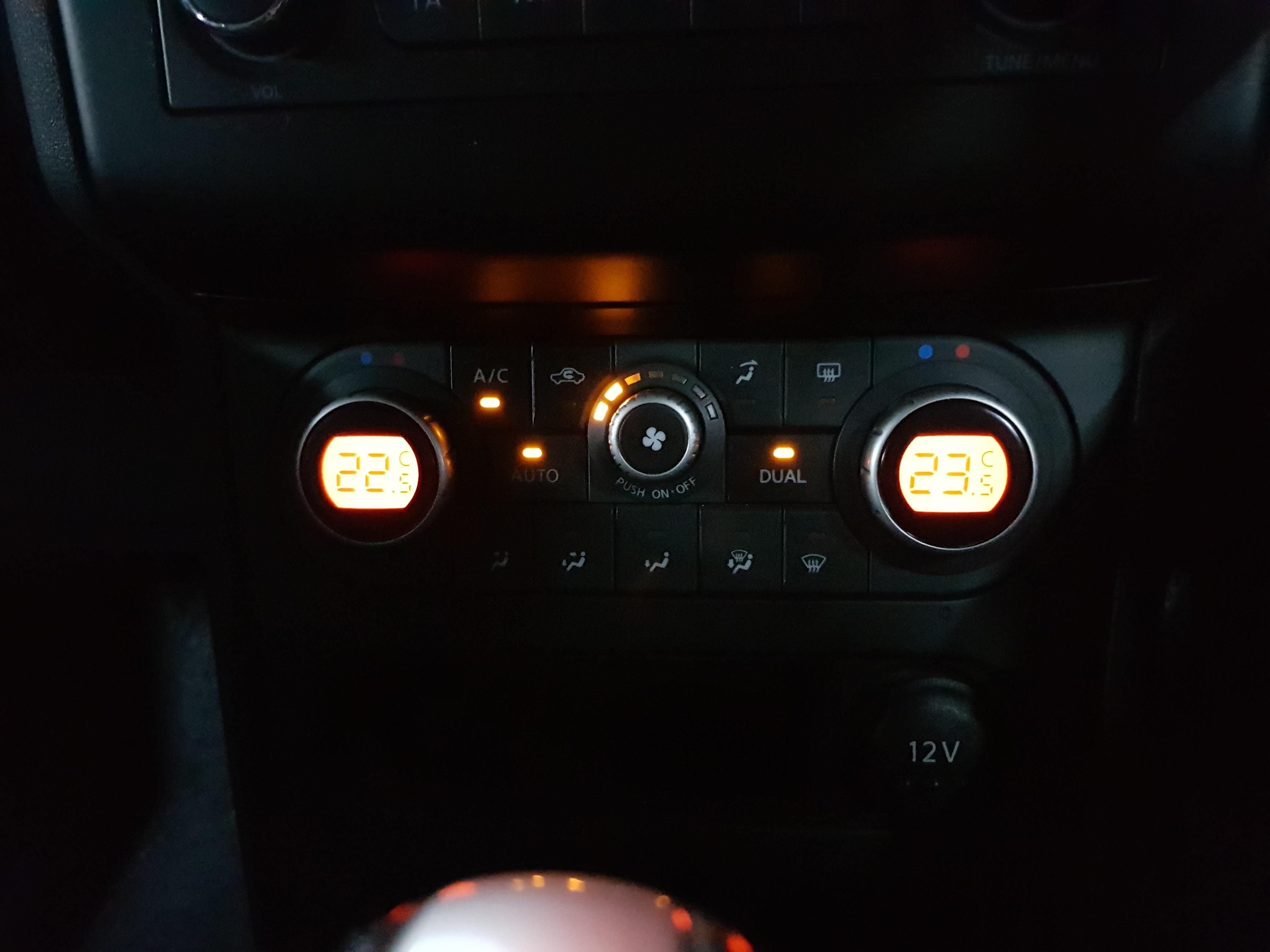 Nissan Qashqai Light Grey 09