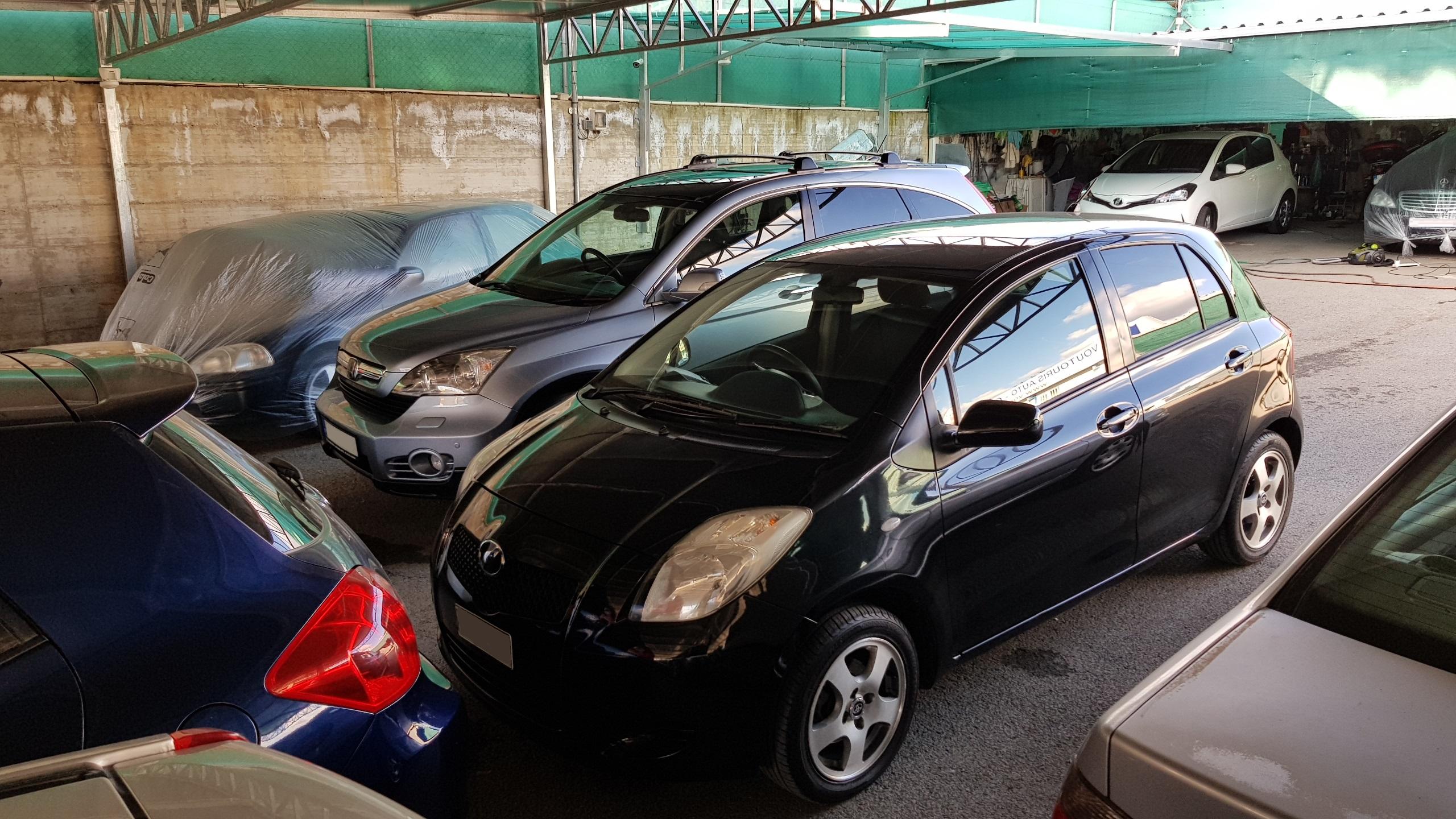 Toyota Vitz Black Metallic 03