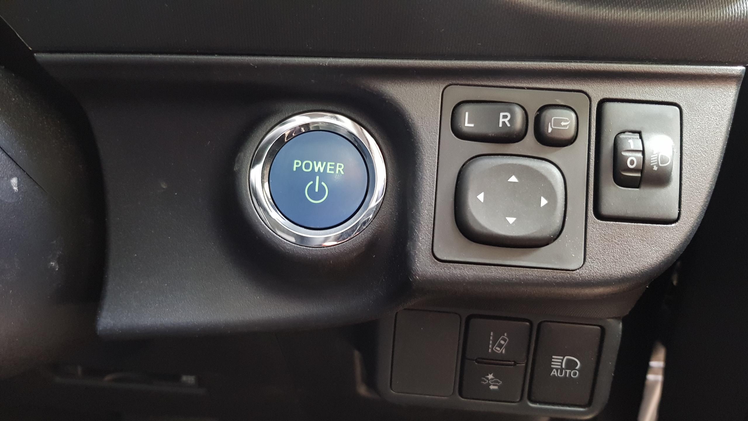 Toyota Aqua 2017 Dark Grey 12