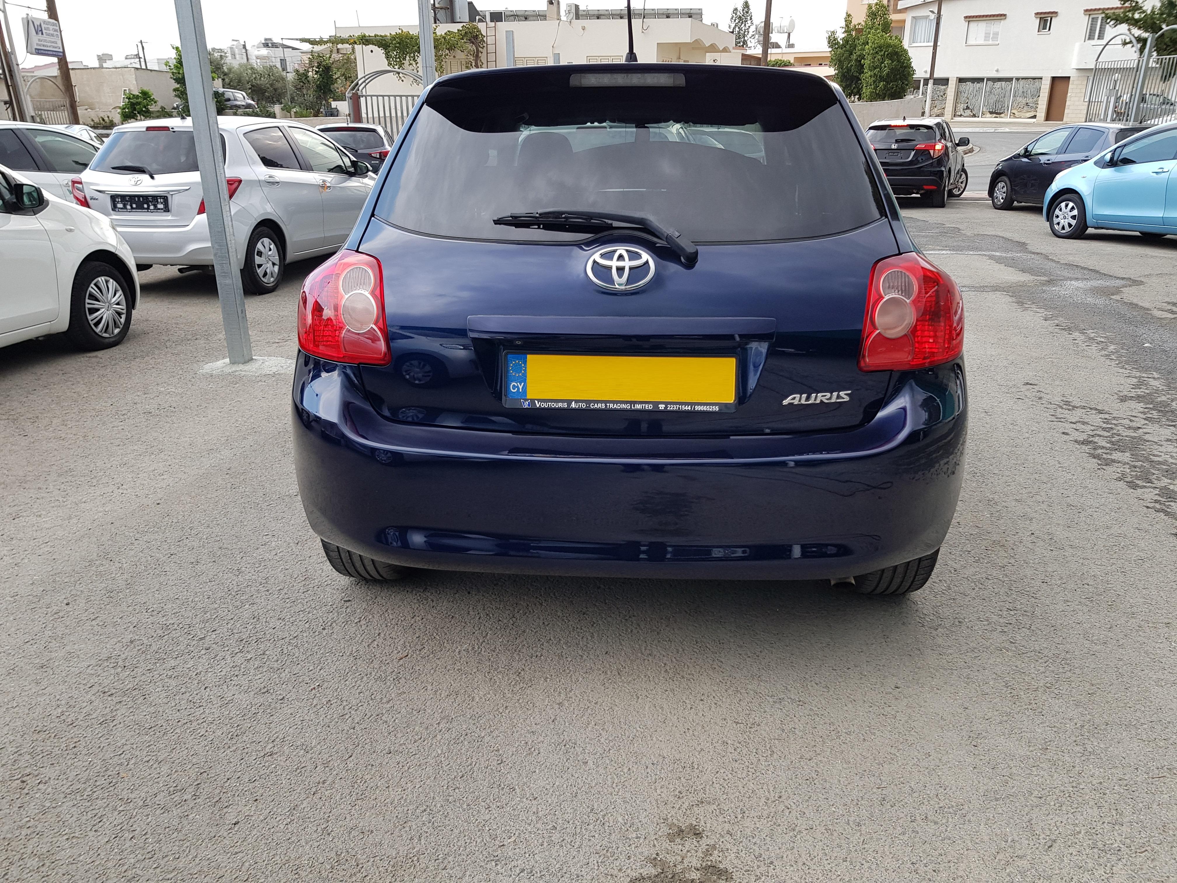 Toyota Auris Dark Blue 05