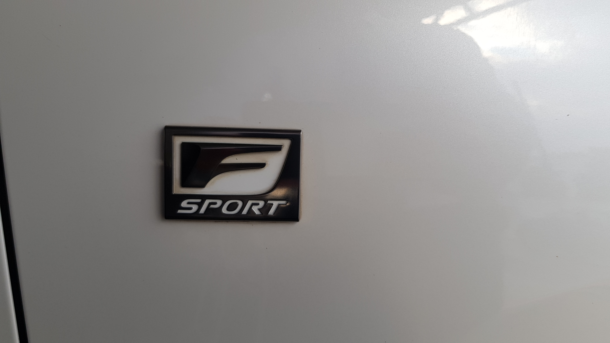 Lexus RX450h White Pearl 07