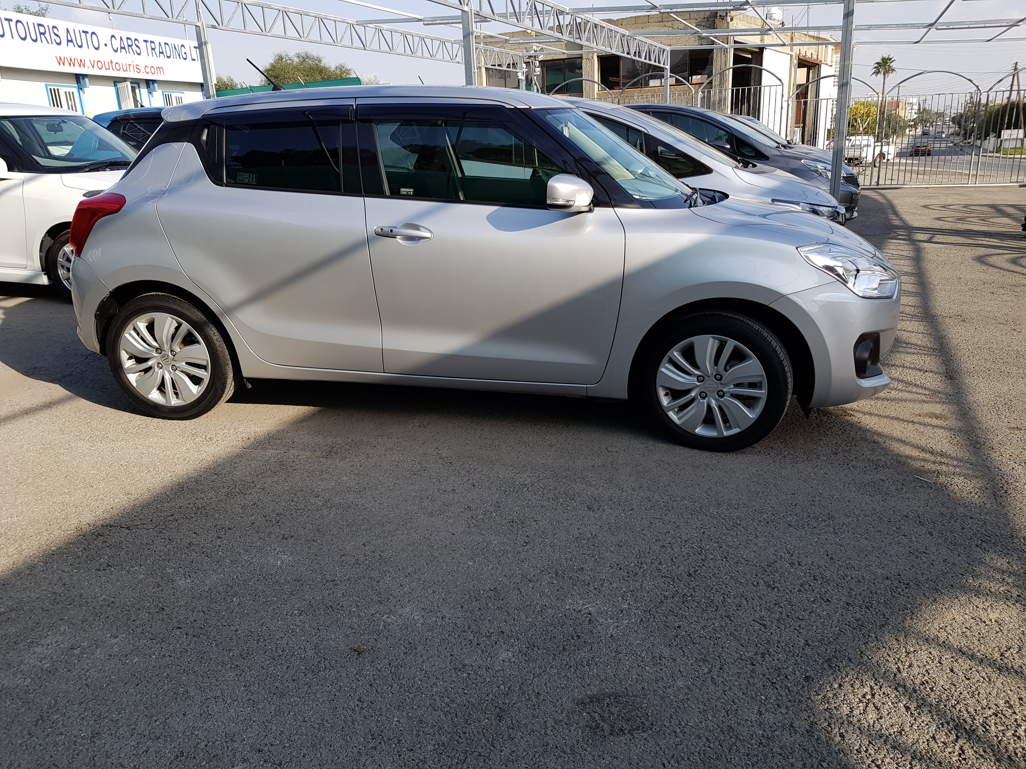 Suzuki Swift 2017 Silver 02