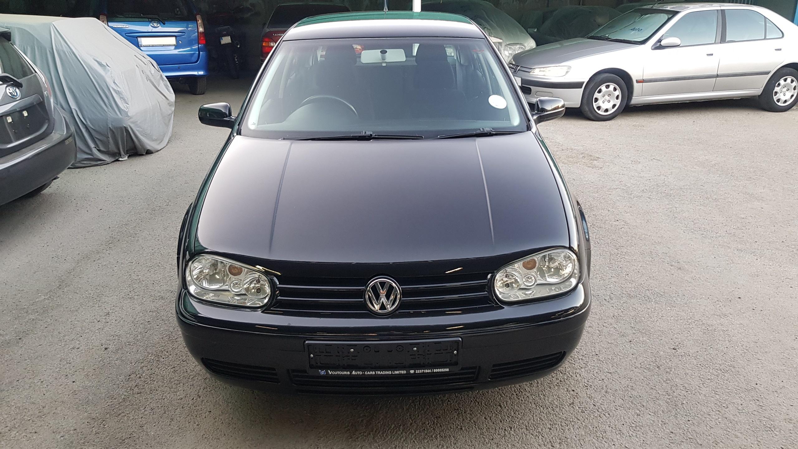 Volkswagen Golf Black 01