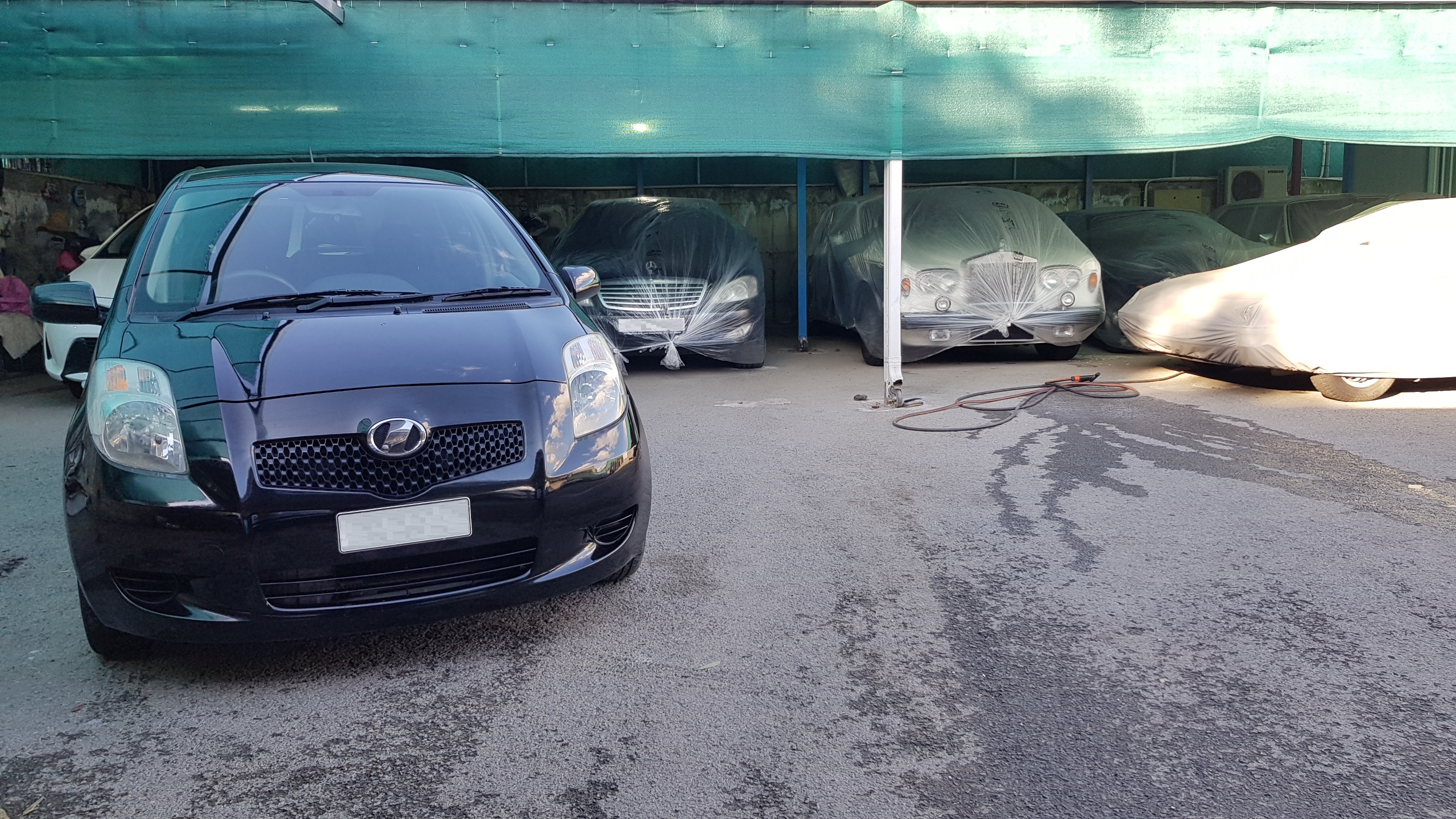 Toyota Vitz Black Metallic 01