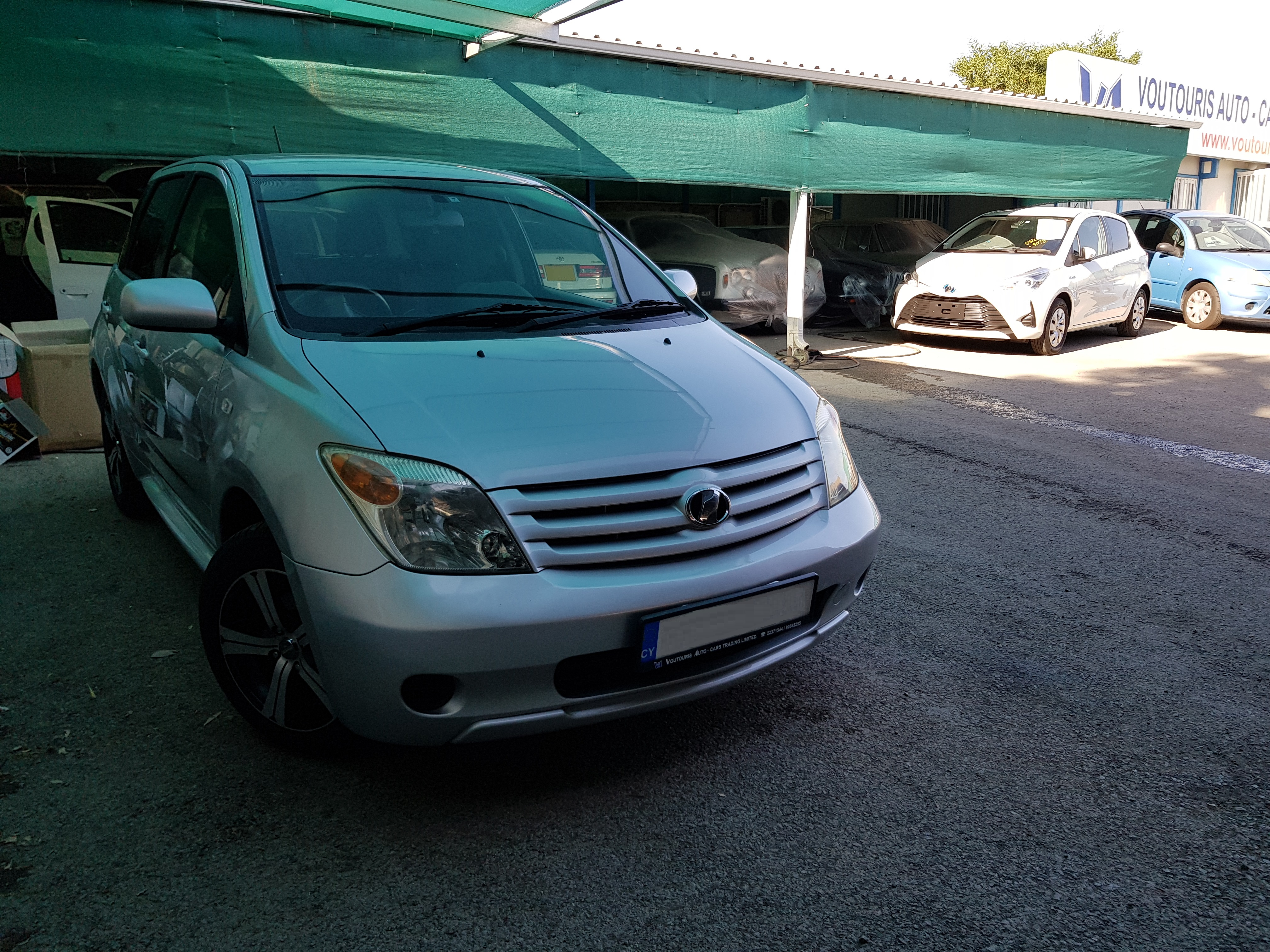 Toyota Ist Silver 01