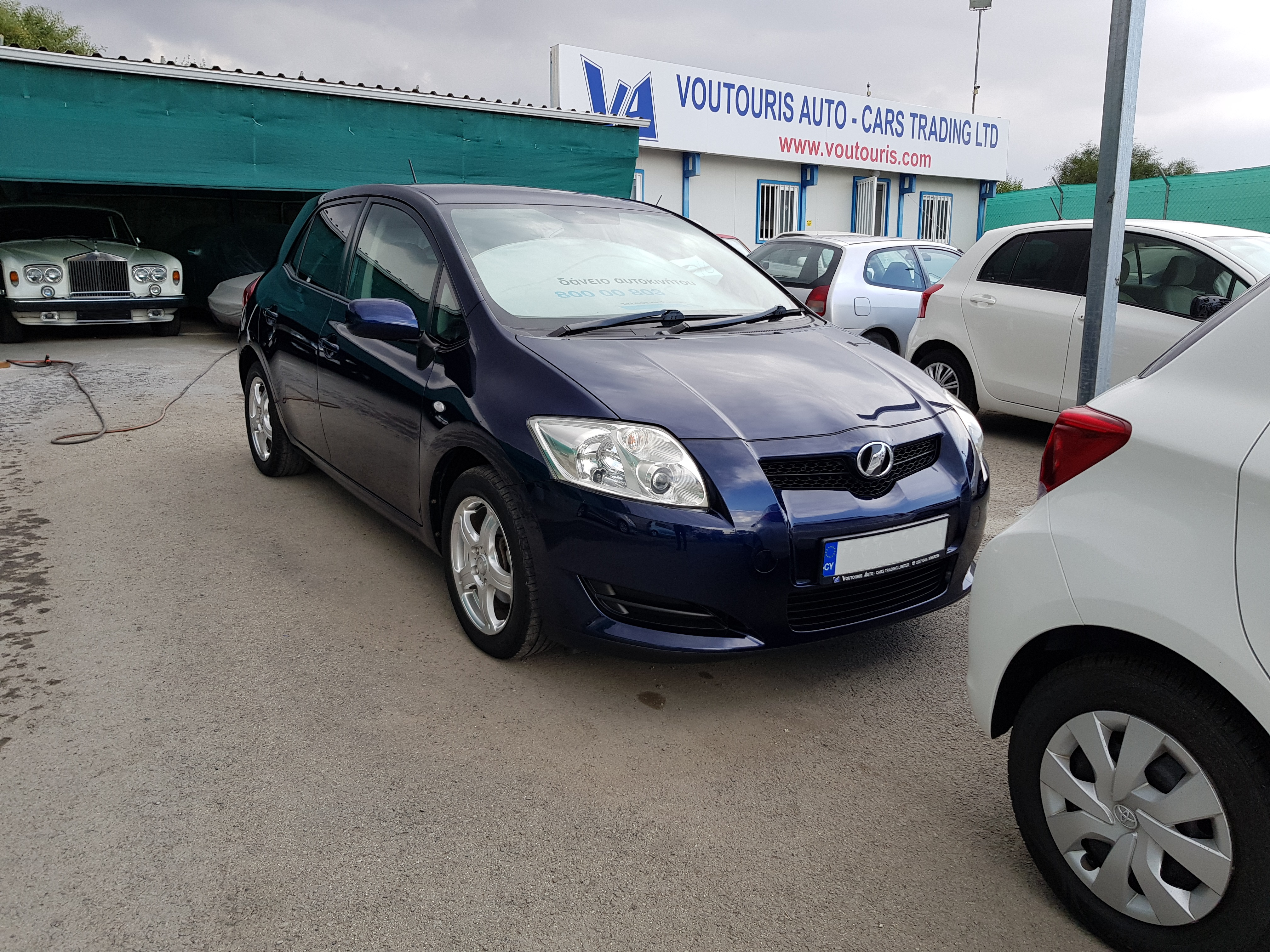 Toyota Auris Dark Blue 01