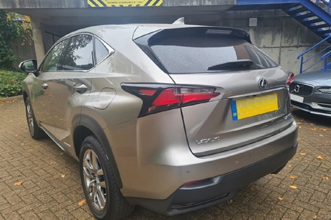 Lexus NX300H Light Grey 03