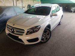 Mercedes GLA200d White 01