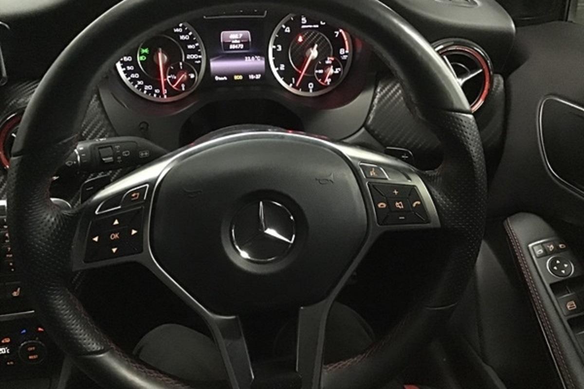 Mercedes A45 AMG White 08