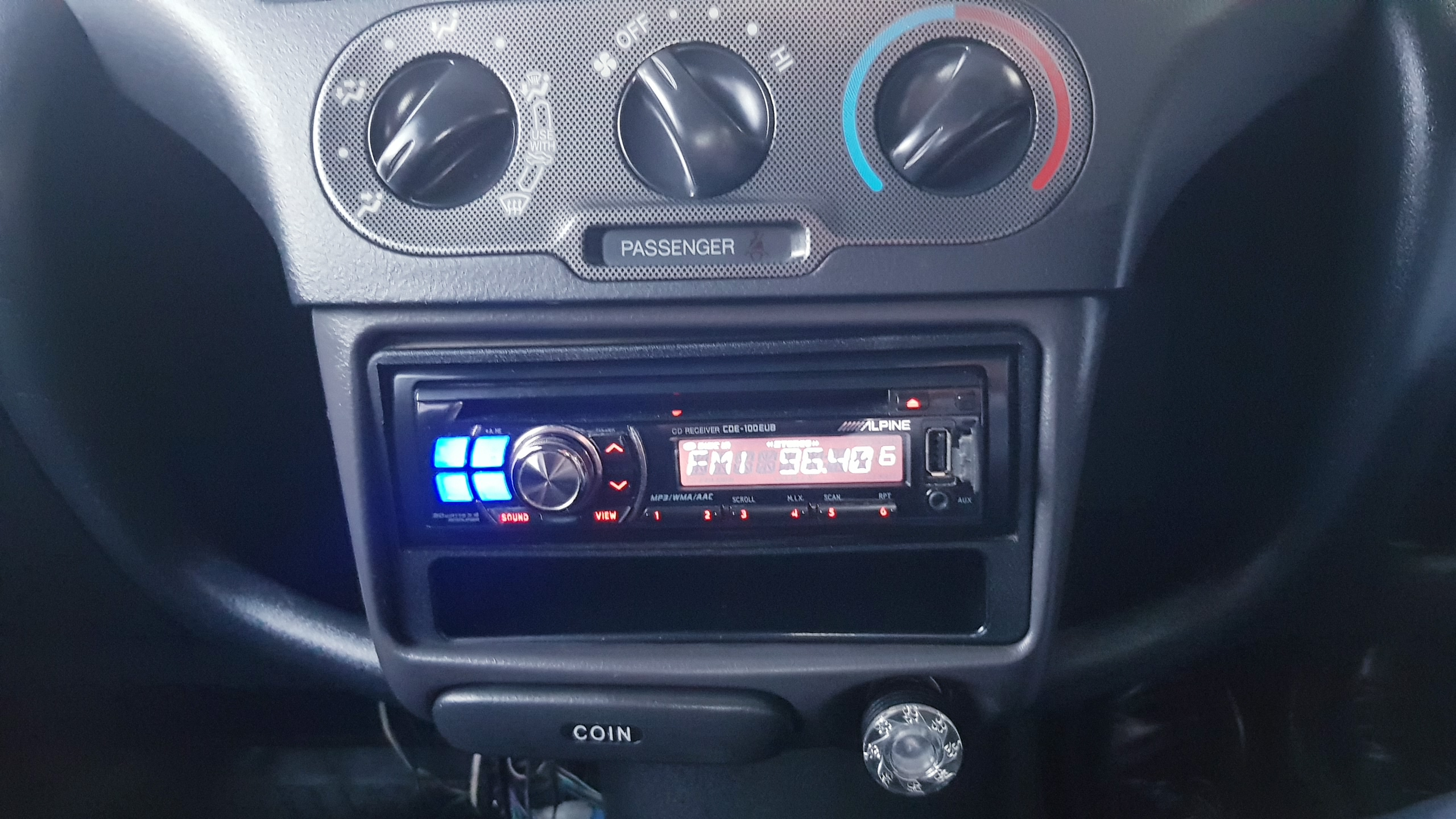 Toyota Vitz Light Grey 09