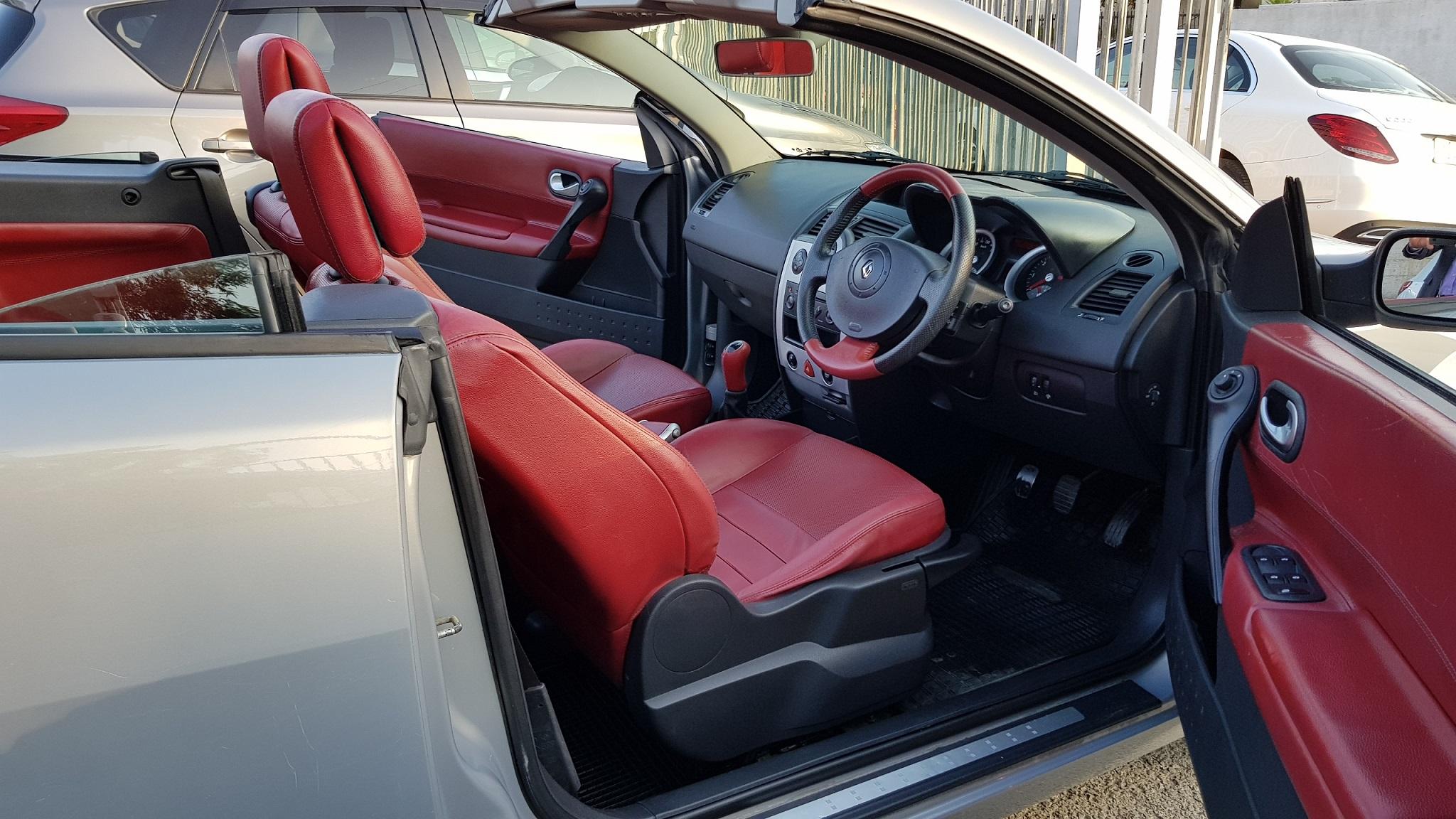 Renault Megane Convertible 11