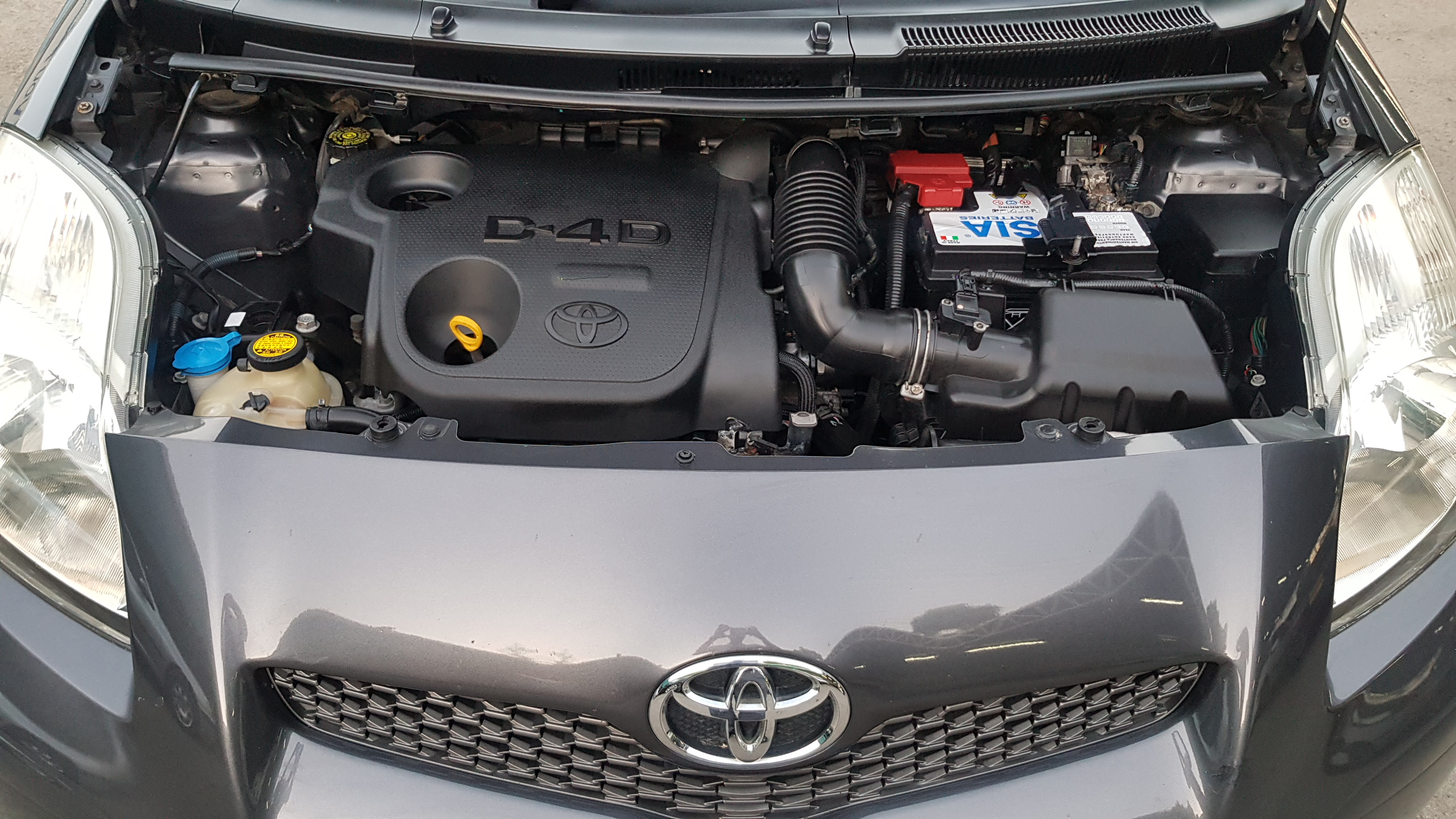 Toyota Yaris Dark Grey 08