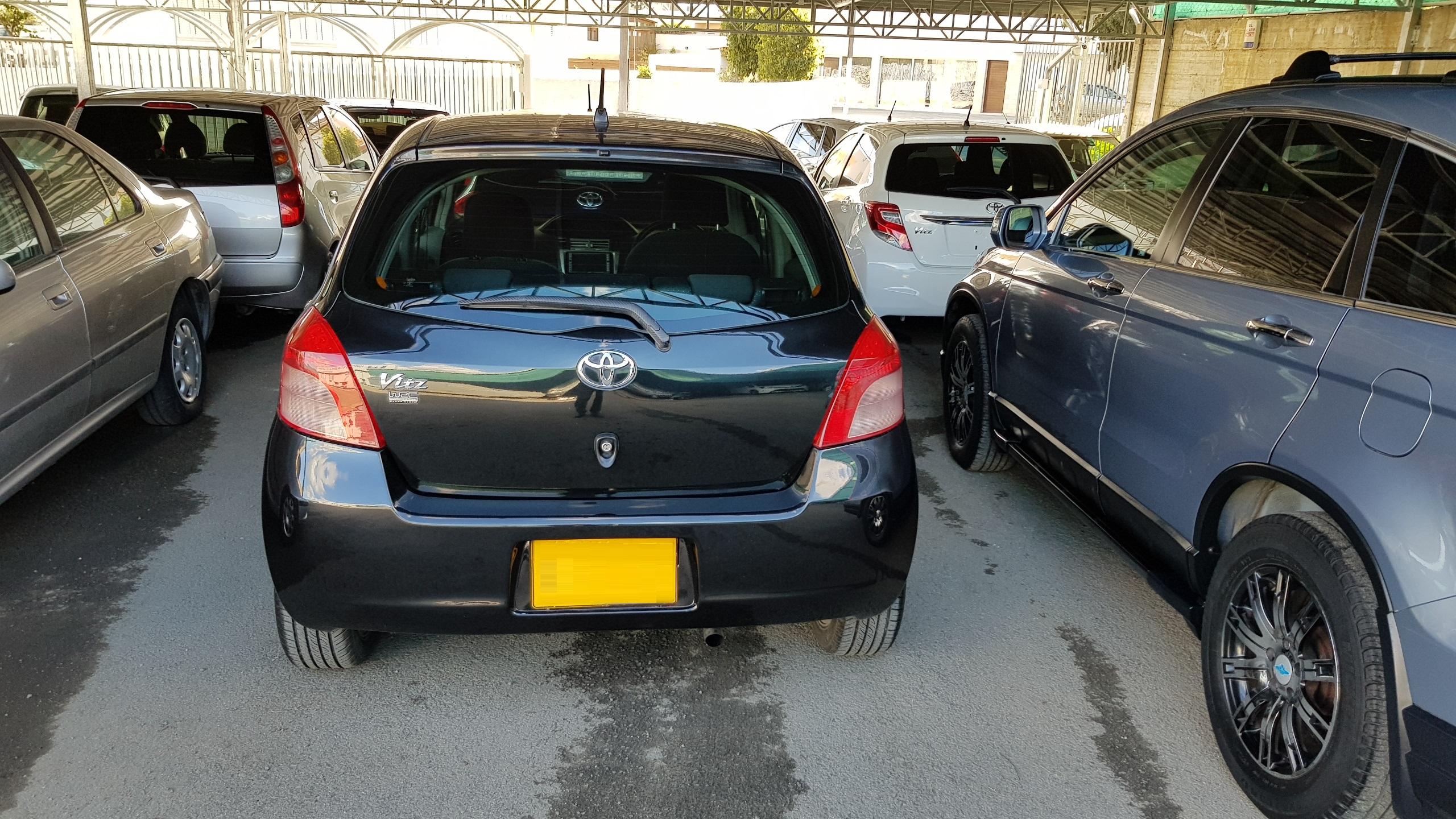 Toyota Vitz Black Metallic 04