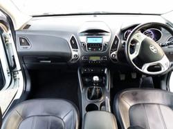Hyundai IX35 White