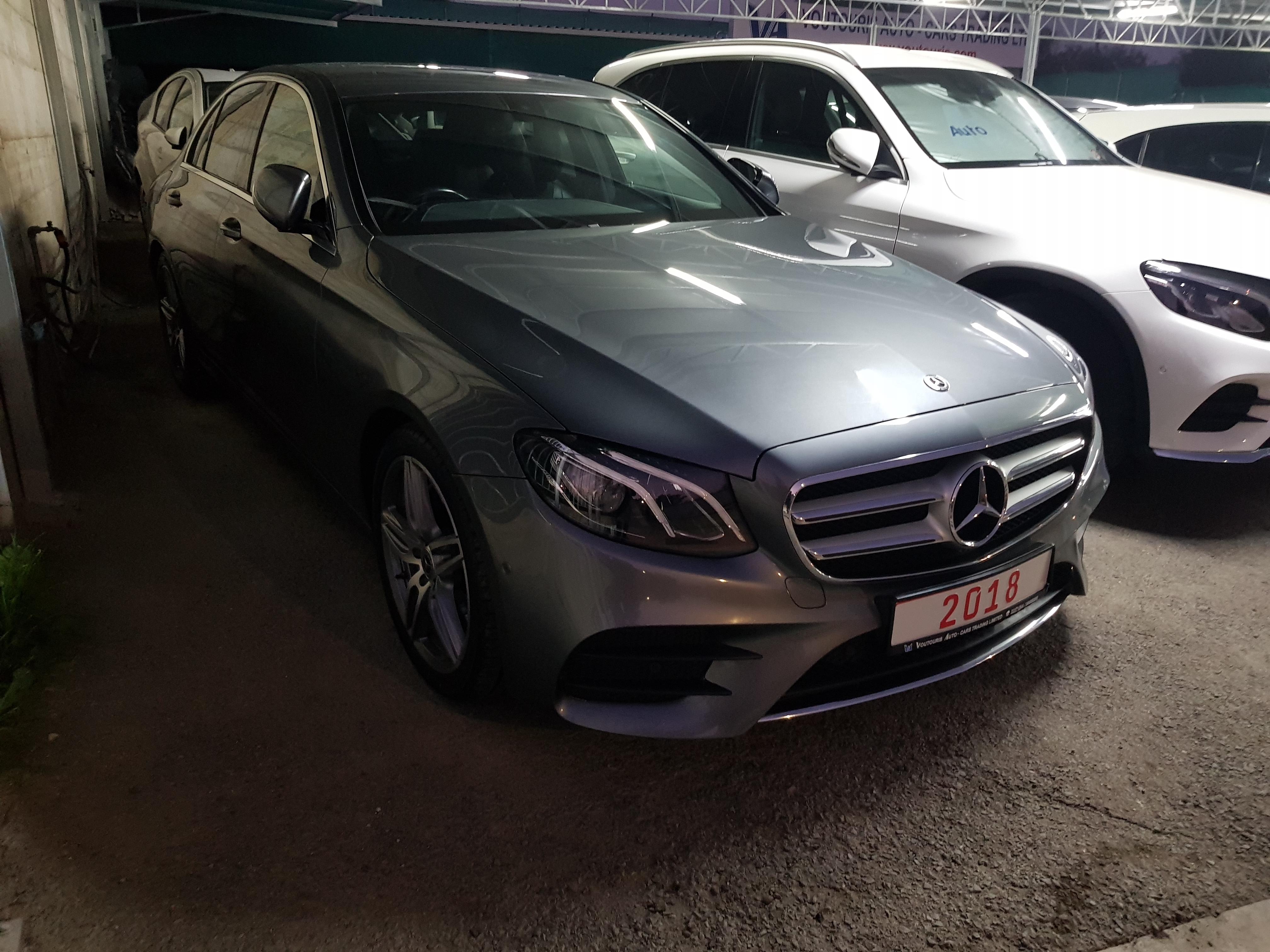 Mercedes E220d Grey 01