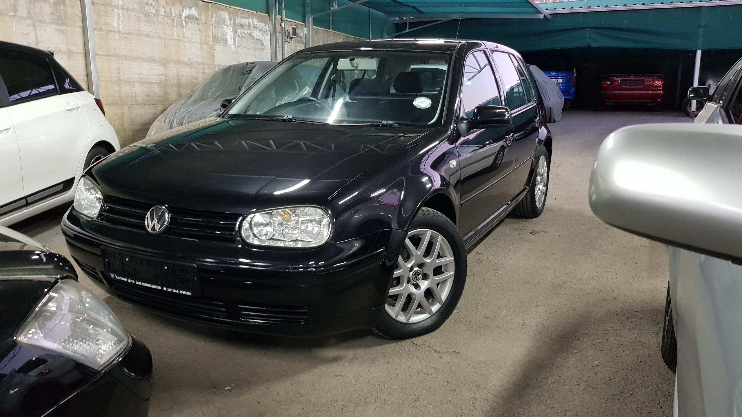 Volkswagen Golf Black 02