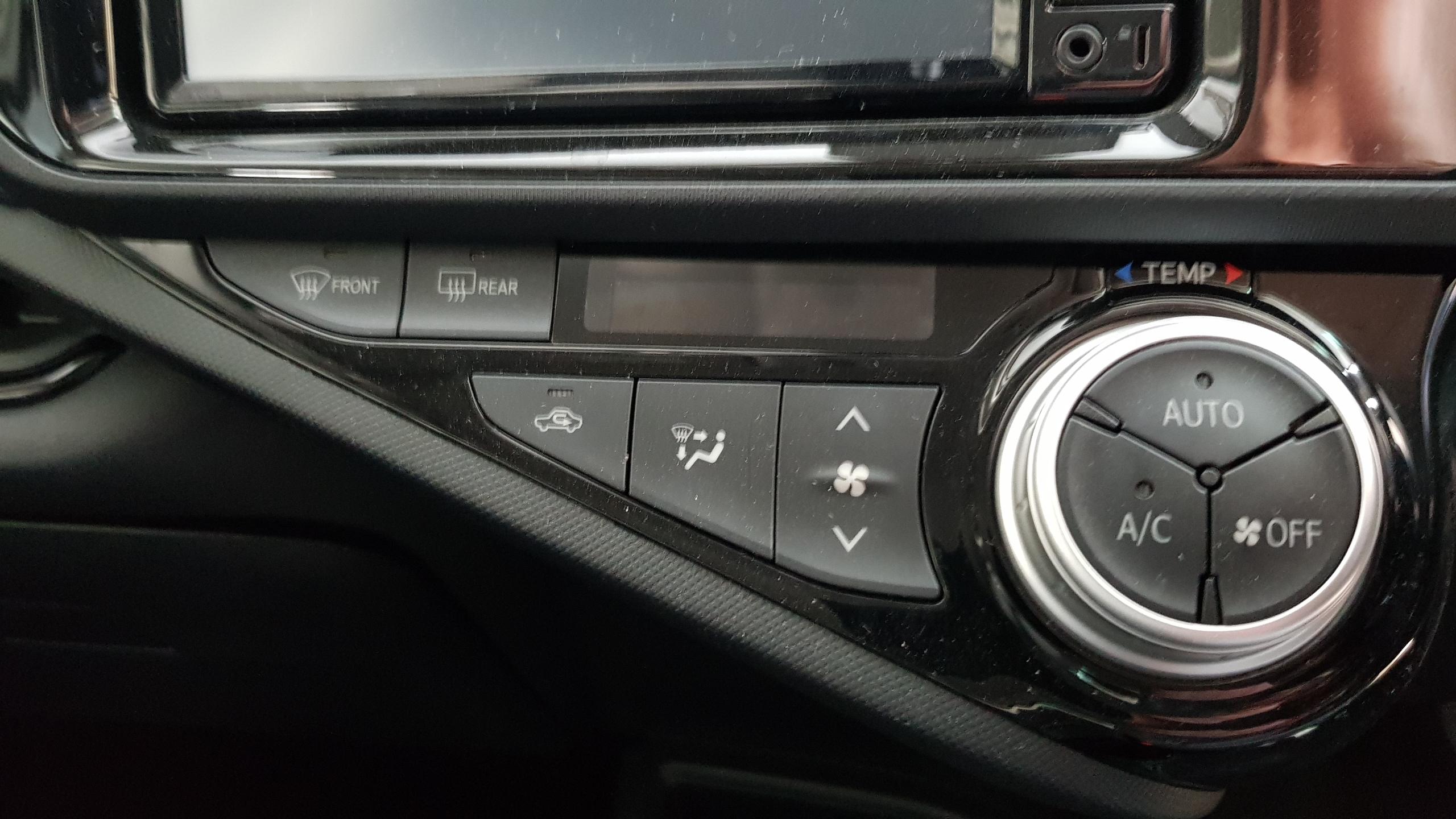 Toyota Aqua 2017 Dark Grey 11