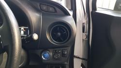 Toyota Vitz Hybrid White Pearl 08