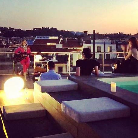 Concert on the roof top ._._._._._#luxmu