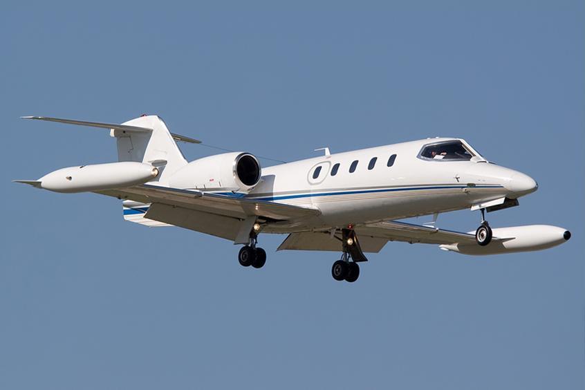 Lear 35 flying