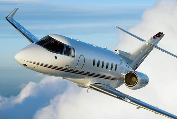 hawker 900 flying