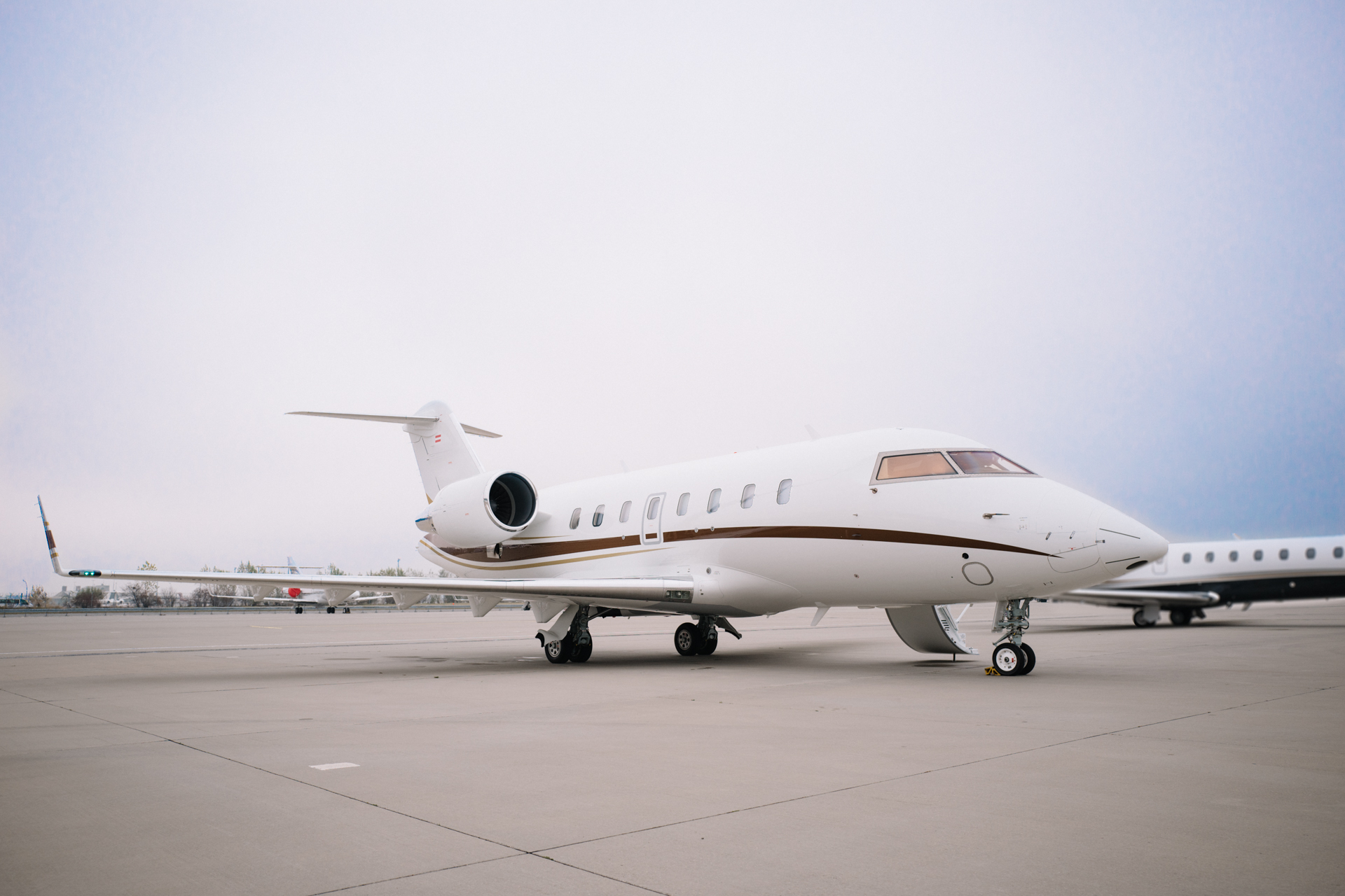 Challenger 650 on ground