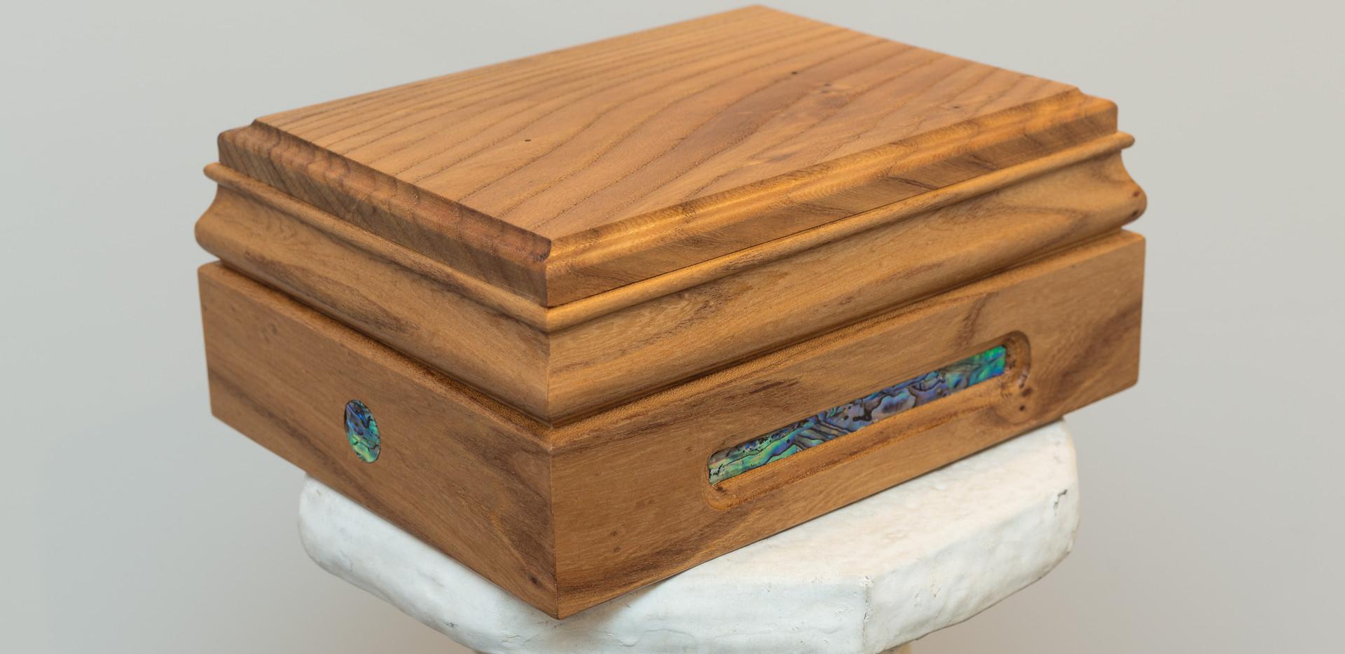 cremation urn 2 shone & shirley.jpg