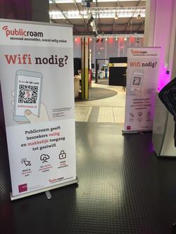 publicroam-roll-up-banner-drukwerk-carme