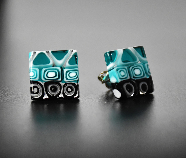 SQUARE SHAPE EARRINGS MADE WITH GREEN LAGOON MURRINE, NON ALLERGENIC METAL GLASS